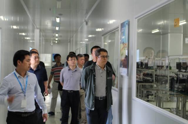 航天科工集团党组成员,副总经理宋欣一行调研智慧海派图片