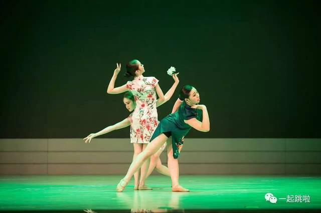 黄河科技学院音乐学院舞蹈系《成长》--影记平面广告设计试题图片