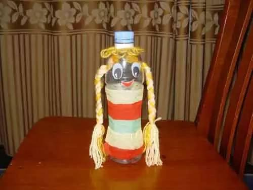 幼儿园手工制作,塑料瓶娃娃!