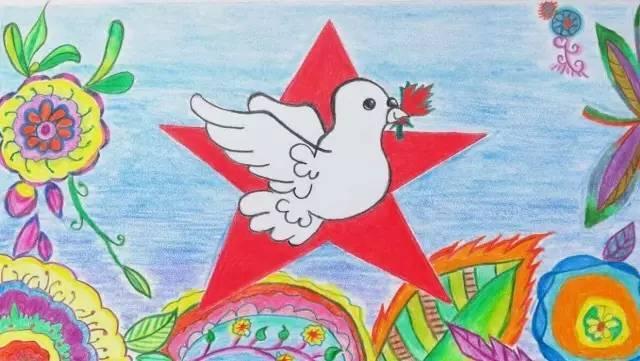中加少年儿童手绘明信片大赛的 小作者们用画笔来迎接中加建交 47