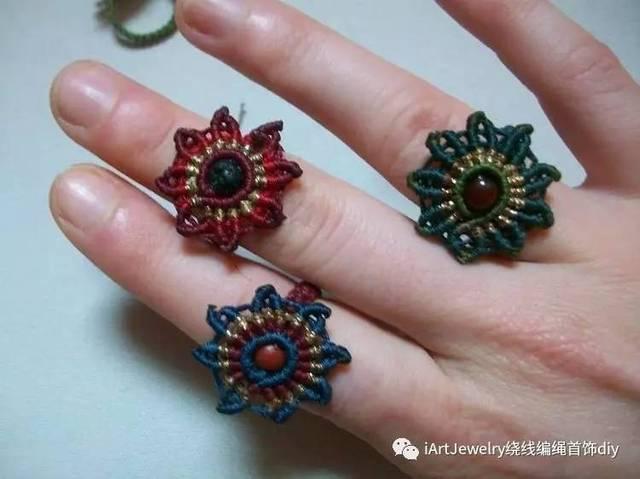 单纯用绳子编织的戒指也十分好看,还能变换不同的编织方式形成不一样