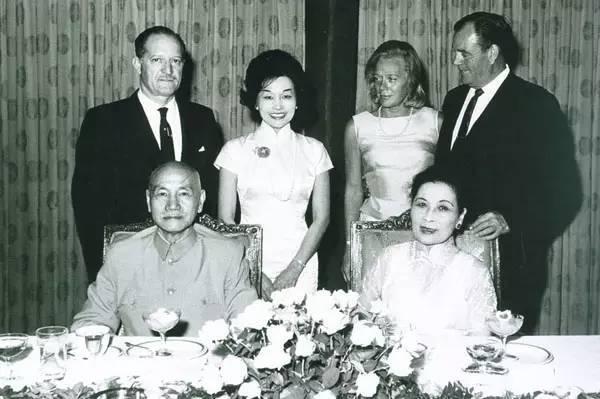 陈纳德与陈香梅 战争 爱情与历史