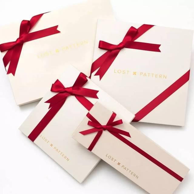 礼盒丝带蝴蝶结的绑法视频 学会了也很有成就感,包礼物不再发愁 今天