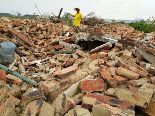 坡头区莫村:8间民房遭村干部拆