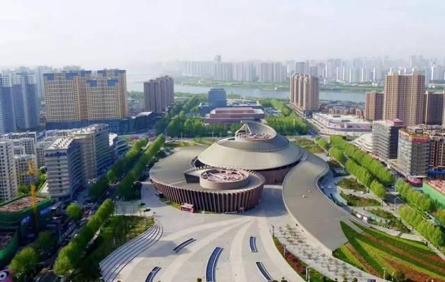 临沂的经济总量_临沂经济学校鸟瞰图