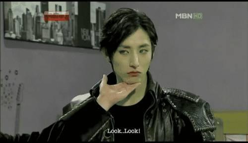 《夜行书生》,李洙赫饰演拥有着绝对权力掌控着朝鲜的吸血鬼