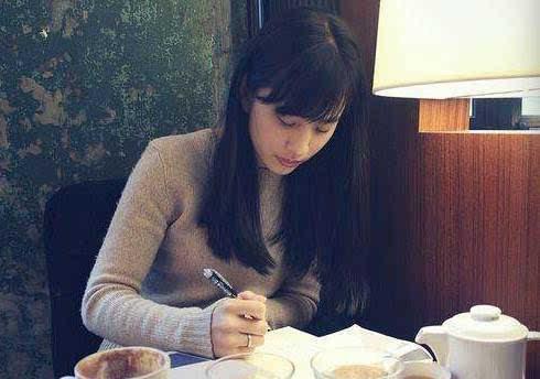 诱奸小萝莉小说_美女作家自杀:13岁被老师诱奸,警惕身边这种人!