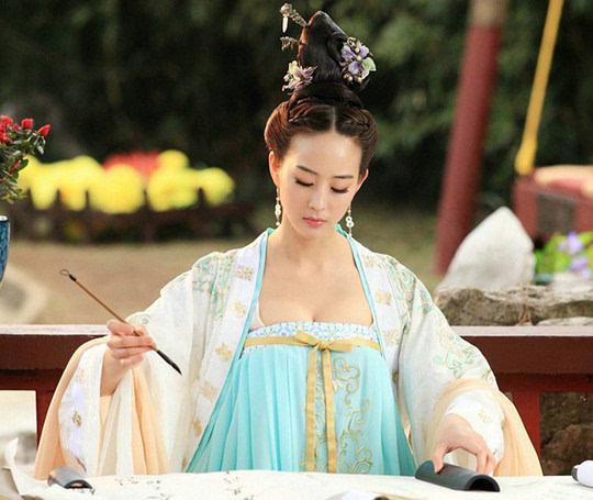 清朝女子发型高髻分享展示图片