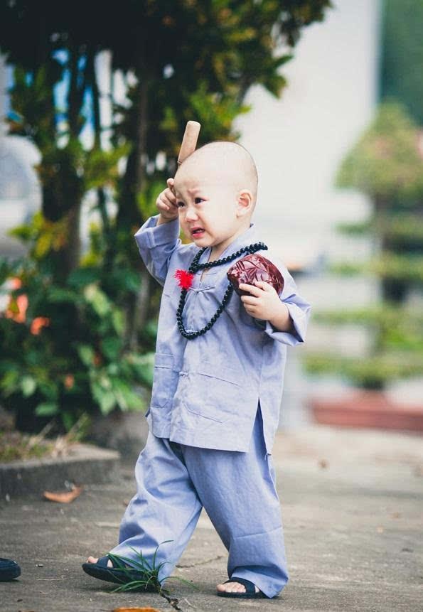 越南最可爱的小和尚,常遭到游客过分要求!