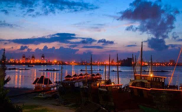 东方巴厘湛江特呈岛,金沙湾海岸,美国德萨斯牛仔小镇