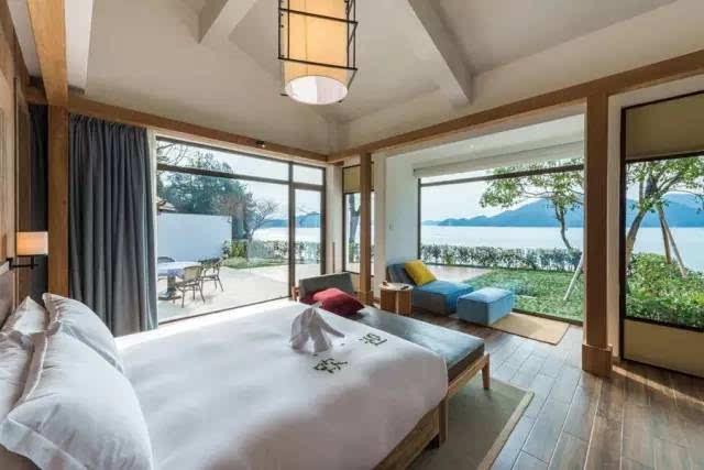 千岛湖山水间微酒店,是今年新开的一家精品酒店,也是feekr上的爆款