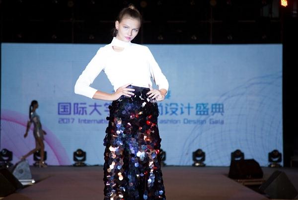 李薇 服装设计师