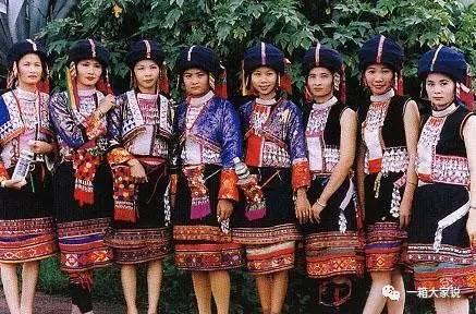 不仅漂亮而且舒适,细密有致,既保留了傣族民族传统特色的花纹,又更加