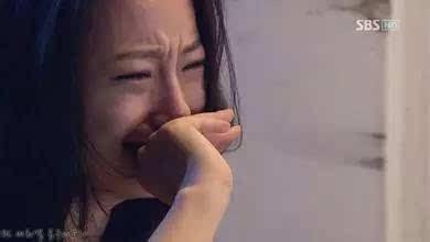 女人的逼和男人的鸡_不要把自己的女人逼到别的男人怀里去流泪.