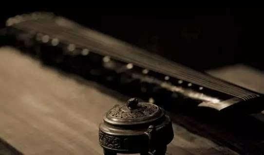 古琴之深有两方面涵义.一是深厚的文化内涵,二是深远的艺术意境.图片
