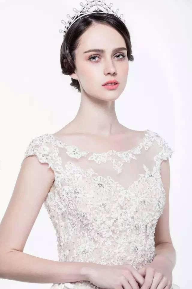 高贵皇冠新娘造型,为你的公主梦加冕!图片