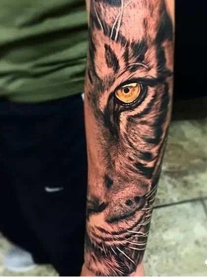 虎眼纹身手绘图