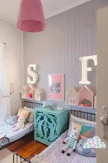 背景墙 房间 家居 起居室 设计 卧室 卧室装修 现代 装修 373_560 竖