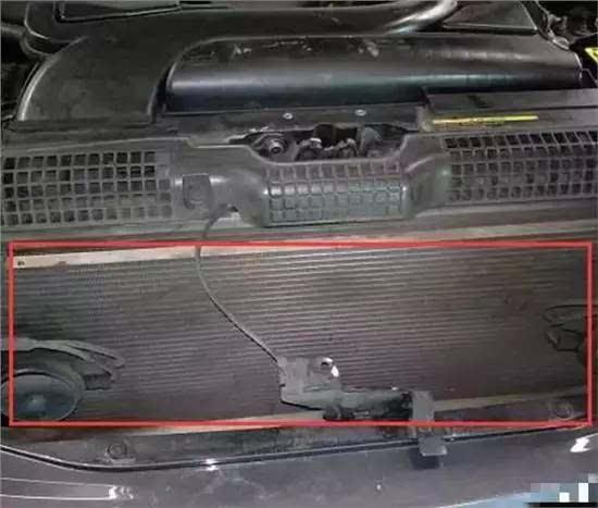汽车空调不够凉 可能是这几个原因