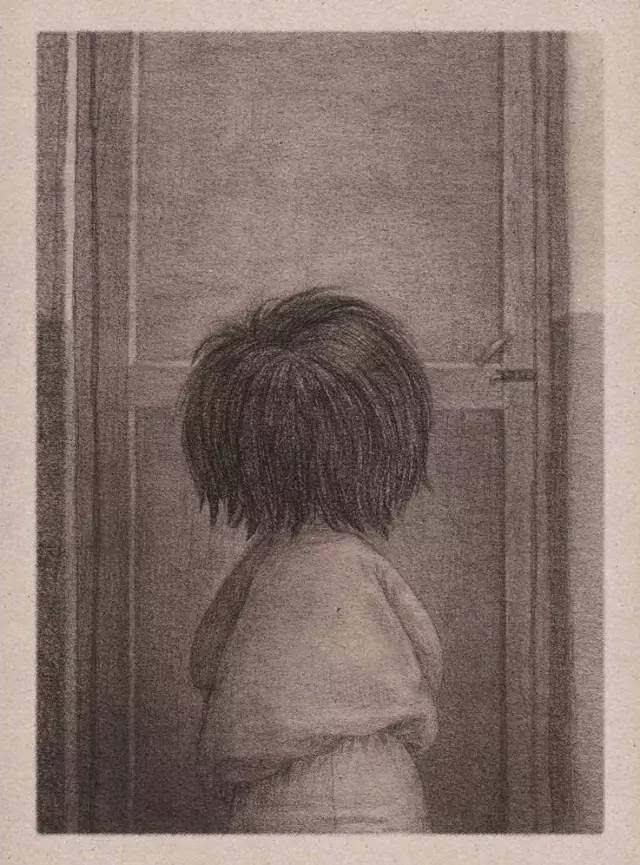 全书由100多页铅笔手绘组成,用每一幅画连贯成一个无声胜有声的故事
