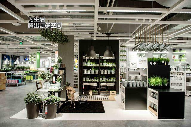 而在2楼的收银线外,瑞典食品屋则更像是开放式超市,提供120多种美味图片