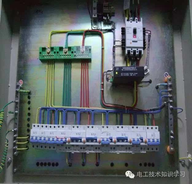 5m; 带有接线端子的电源线路浪涌保护器应采用压接; 带有接线柱的浪涌