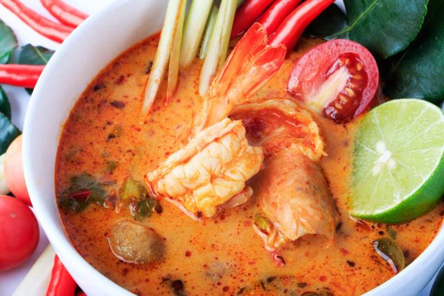 另外还有泰式菠萝炒饭,冬阴功汤等各种各样的美食.图片