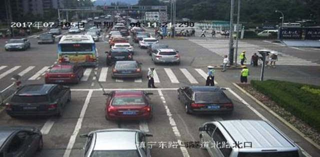 北京堵车高峰_图为北京某日早高峰堵车路况