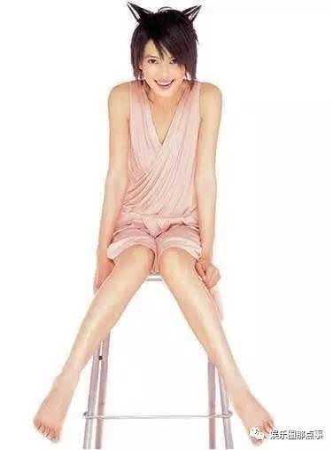 16位女明星的脚丫子,抛开味道不说,你认为这些女星谁的最美?