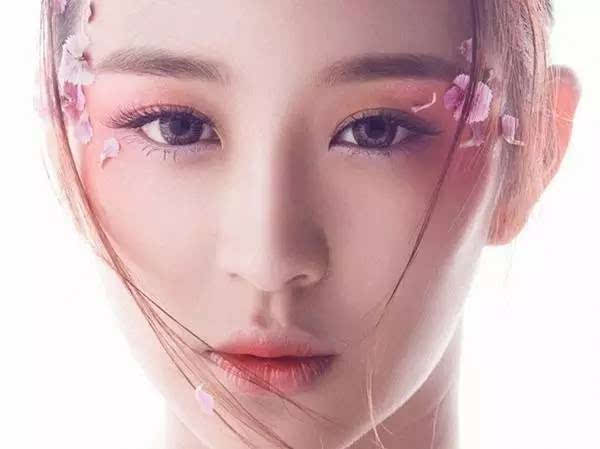 av图草逼撸_【佳加丽整形美容】没有双眼皮,怎么撸人见人爱的桃花