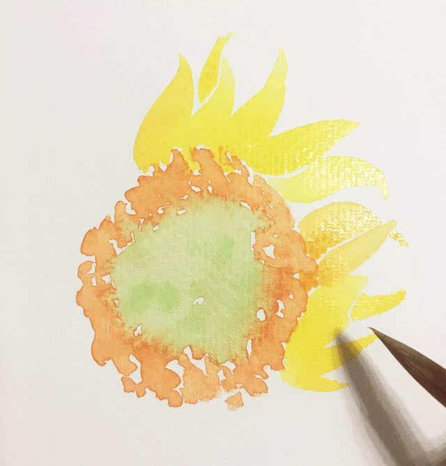 加入大量柠檬黄(#52)把花瓣形状画出来.