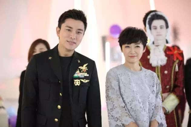 代乐乐饰演的贺周一作为分手大师阵营的新任掌门人,和贾乃亮饰演的
