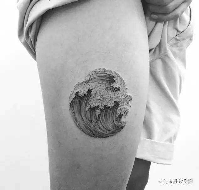 圆形浪花纹身