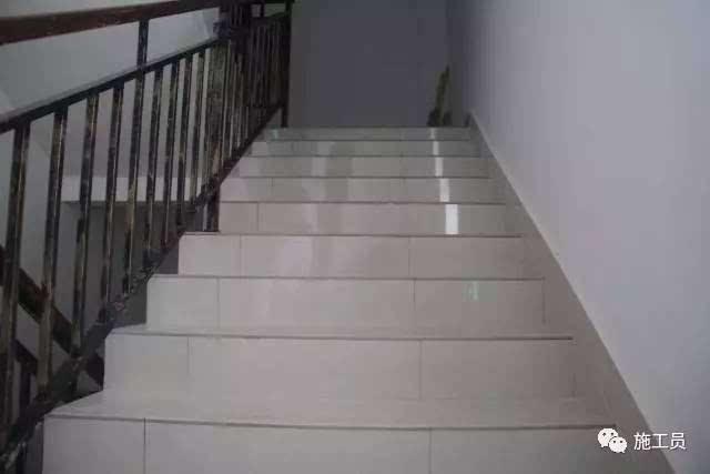 楼梯踏步地砖拼缝整齐图片