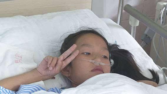 广西首例活体肝移植手术成功!32公斤妈妈割肝救女!