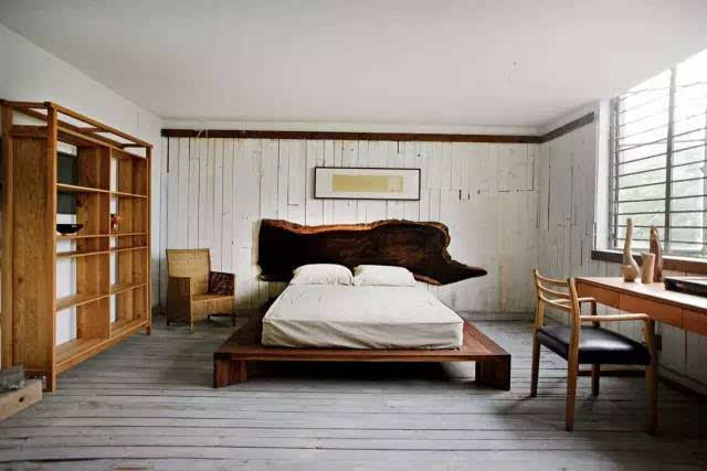 """他们把那些别人不要的木头收集起来, 做成了一个系列的家具, 就叫""""不"""