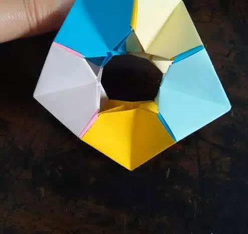 纸条折五角星步骤图解