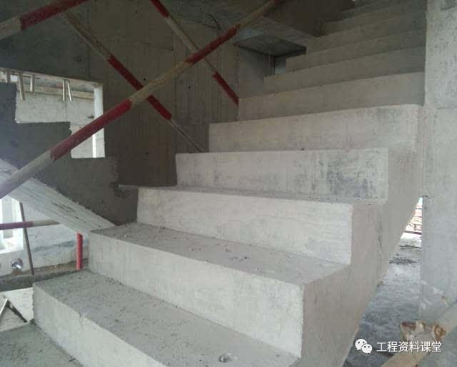 8 楼梯踏步面板模板在气温25℃条件下,应待混凝土浇筑完成后至少36h方