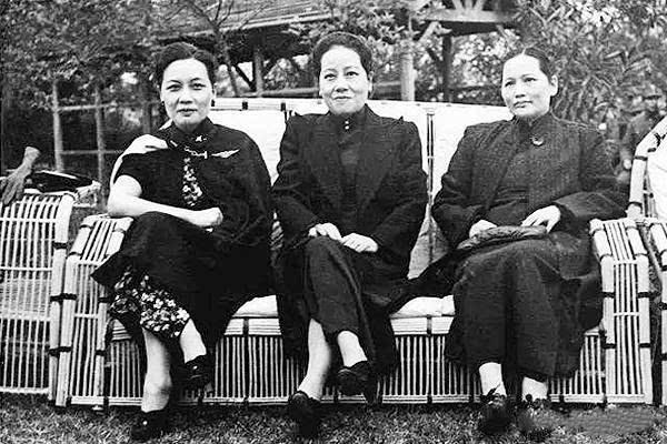 培养出宋氏三姐妹,她才是中国最强虎妈图片