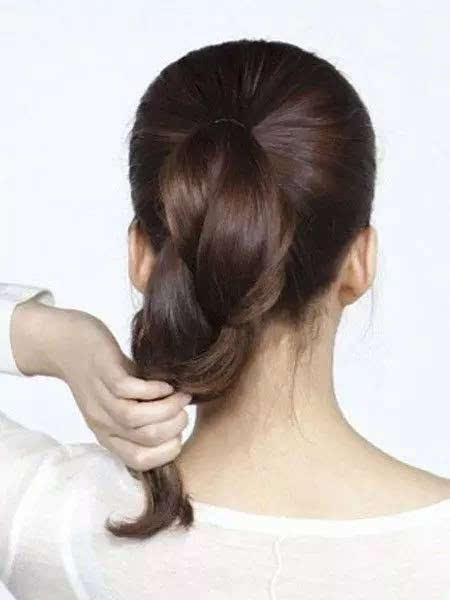 女神都在扎这款头发,难怪这么美!赶紧学起来!图片