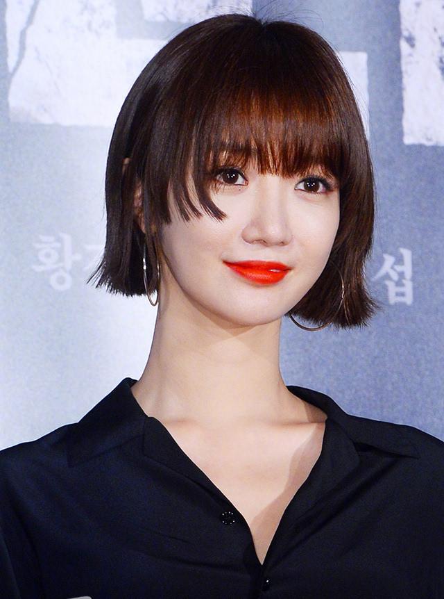 高俊熙齐刘海新造型亮相,离开超短发差点没认出来!