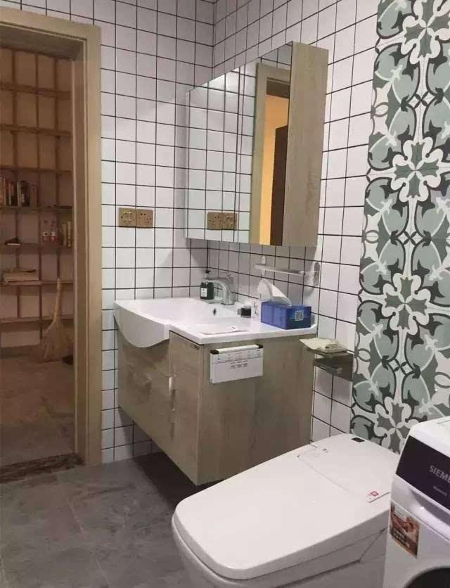 用小花砖装饰卫生间,美出了新高度!