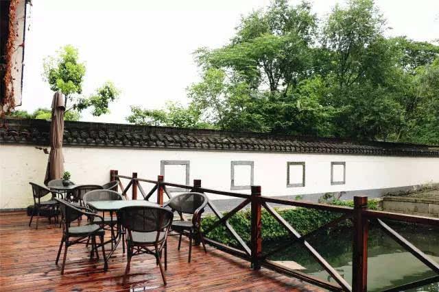 柯桥最近新开了一家民宿,风景如画,摆拍自拍样样合适