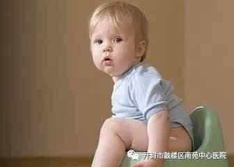 婴儿宝宝大便有泡沫是怎么回事