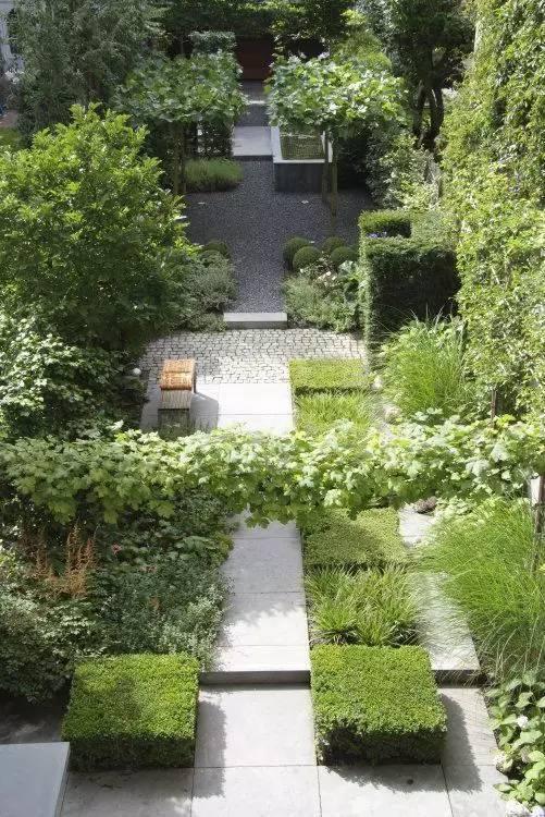 石头在庭院中的角色   禅设计图片
