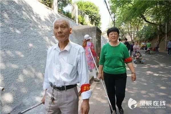 【爱如阳光】青春不嫌迟 长沙多位七旬老人投身志愿服务