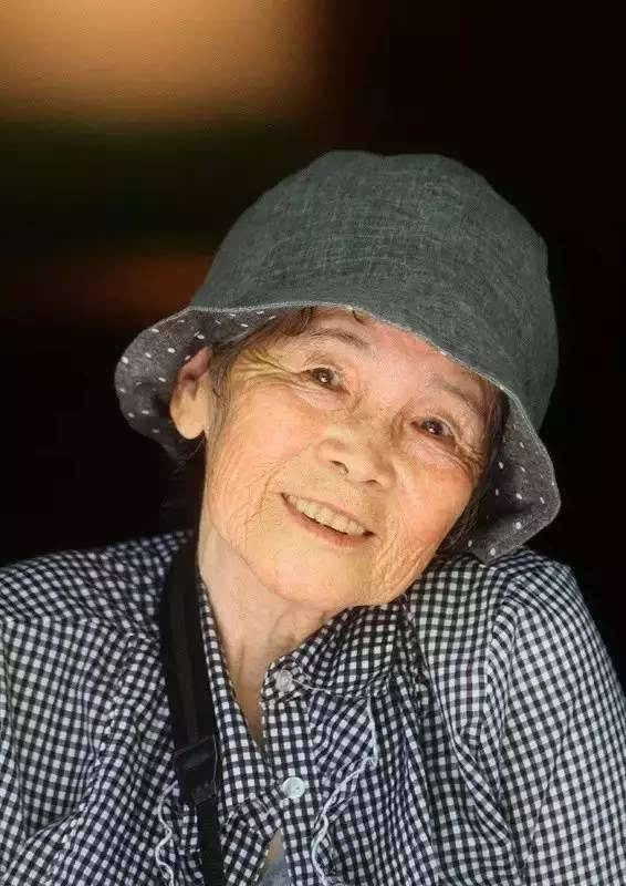 老太太zipai_这个闹心的89岁老太太,怎么就成日本励志女神了?