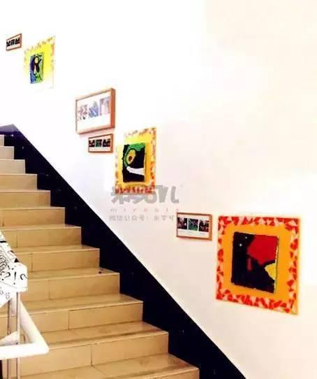 教室楼梯透视图