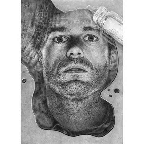 他画的铅笔素描堪称比疯狂还疯狂