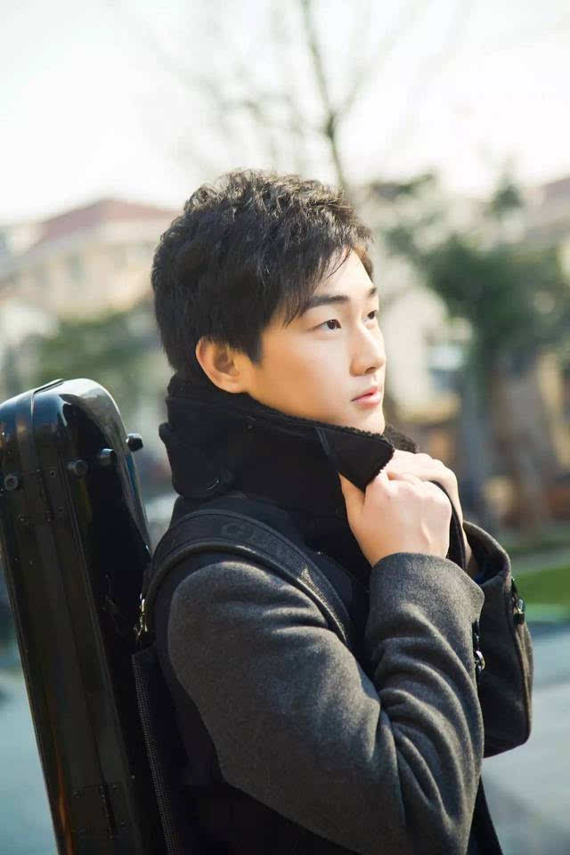 最帅总裁李泽宇_关于旅美小提琴家李泽宇音乐会招募琴童的后续通知